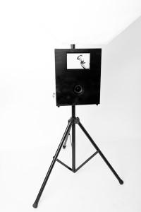 Fotobooth mit Spiegelreflex, Studioblitz und Bildschrim